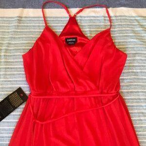 💃NWT Red Bebe Maxi Dress, Size Medium💃
